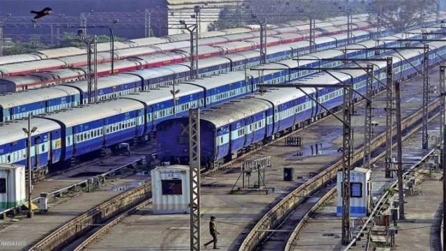 EnMalayalam_Train-89q5jw1OtY.jpg