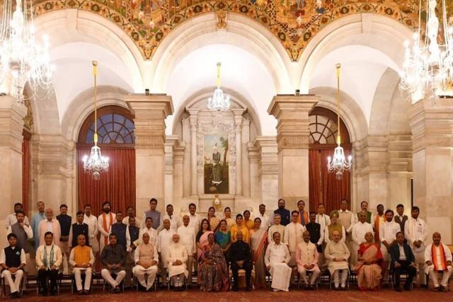 Modi-Cabinet-Minister-full-5y2t6eXi10.jpg