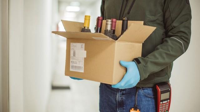 home delivery of liquor-rhC4M4tisZ.jpg