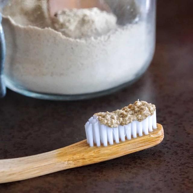 teeth powder-IlrgrhkHed.jpg